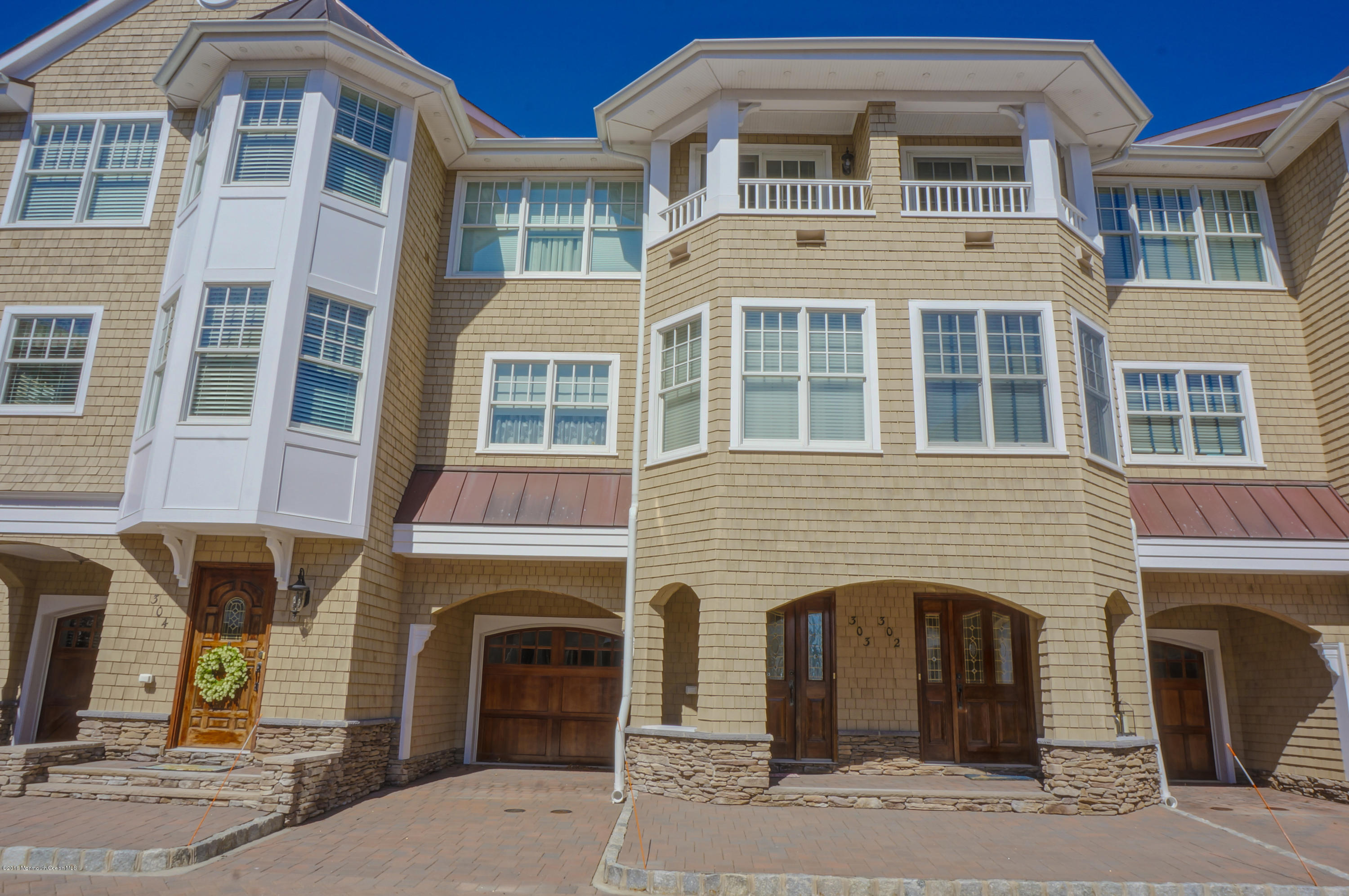 Photo of home for sale at 303 River Mist Way Way, Brielle NJ