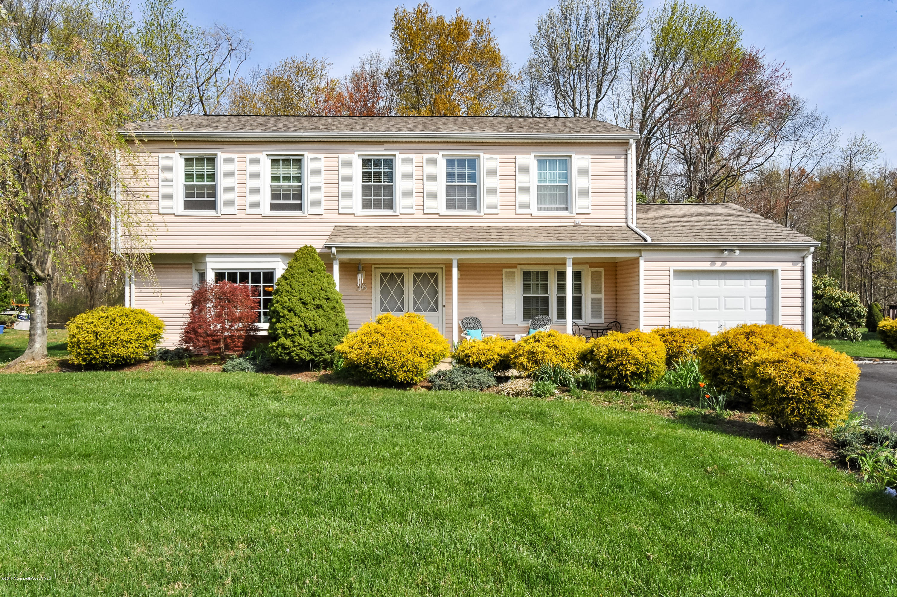 Photo of home for sale at 36 Devon Drive Drive, Manalapan NJ