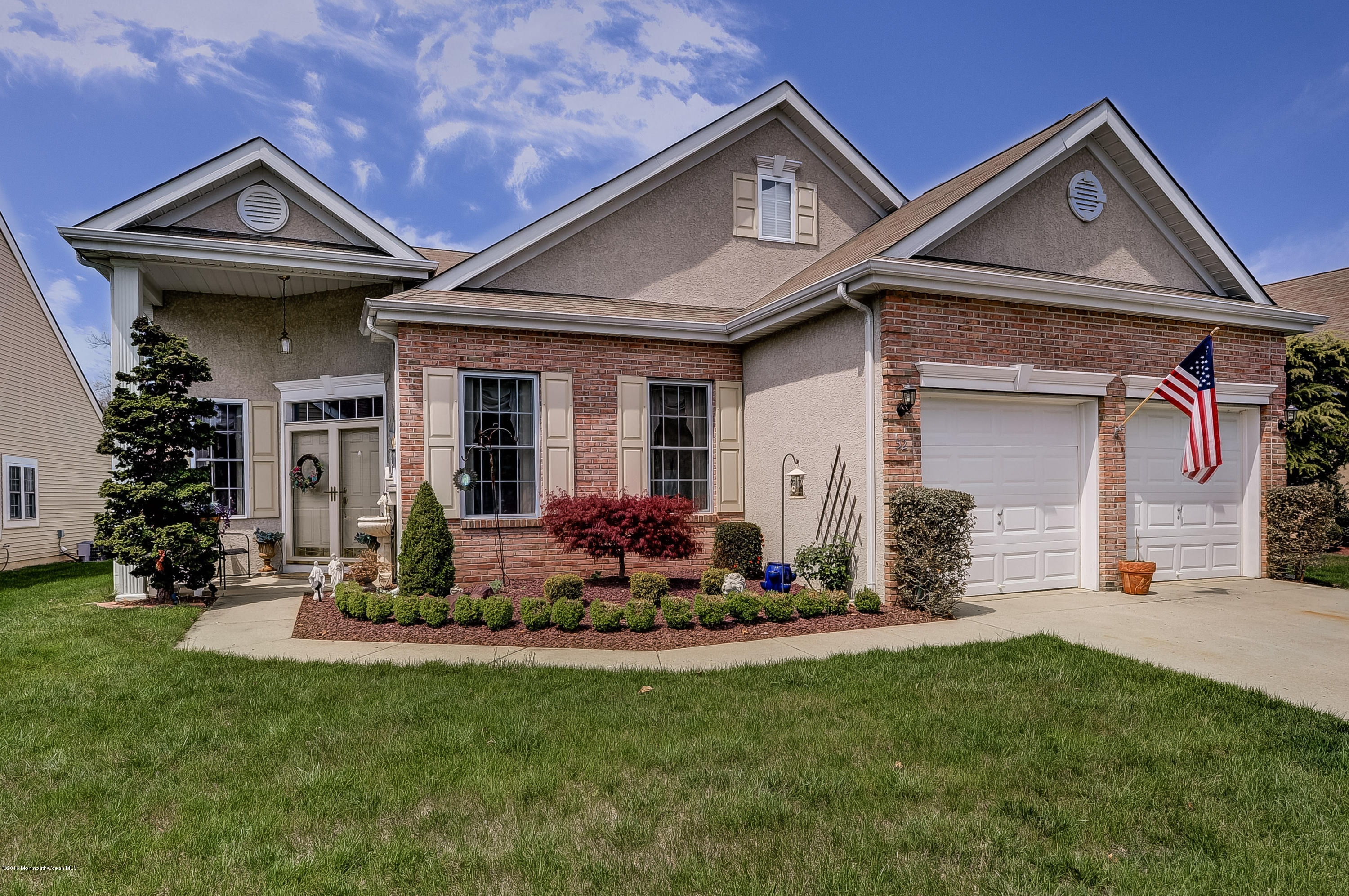 Photo of home for sale at 52 Cypress Point Lane Lane, Jackson NJ