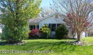 Photo of home for sale at 4 Pulaski Drive Drive, Barnegat NJ