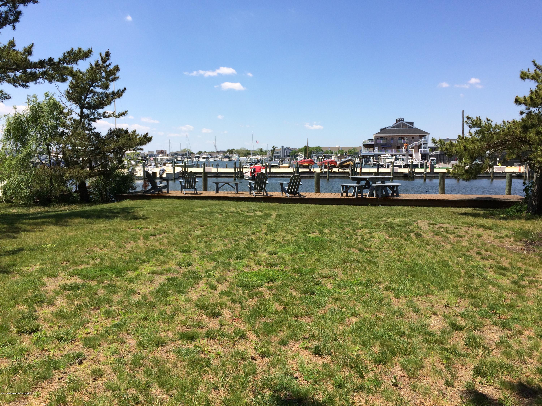 Photo of home for sale at 608 Lake Avenue Avenue, Bay Head NJ