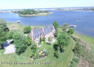 20 AVENUE OF TWO RIVERS, RUMSON, NJ 07760  Photo 4