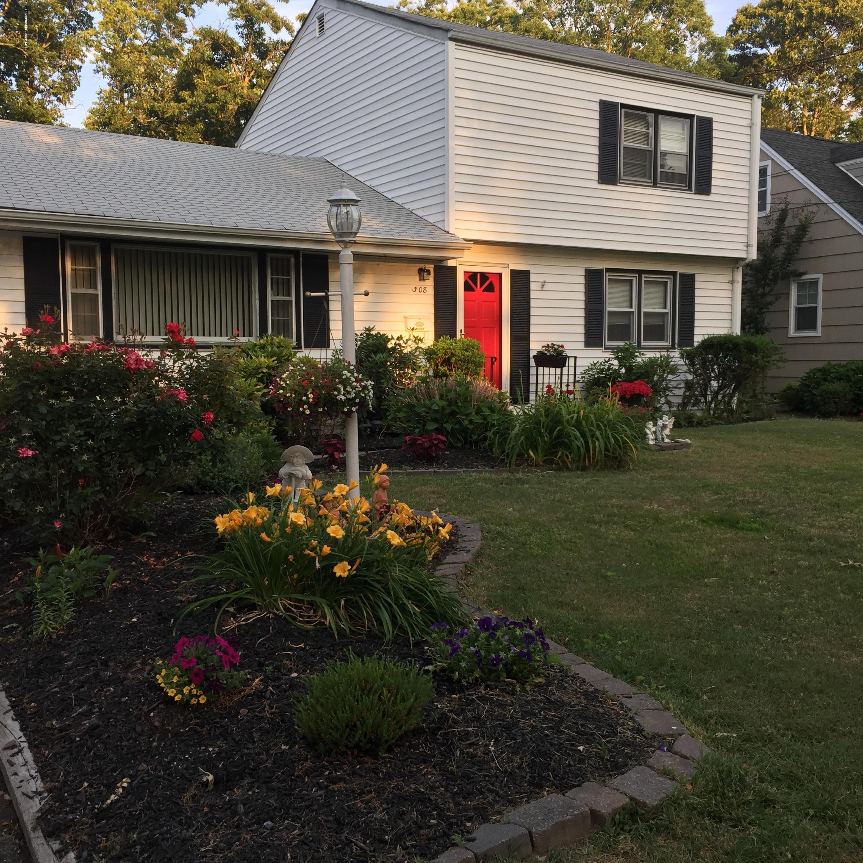 Photo of home for sale at 308 Old Mill Road Road, Spring Lake Heights NJ