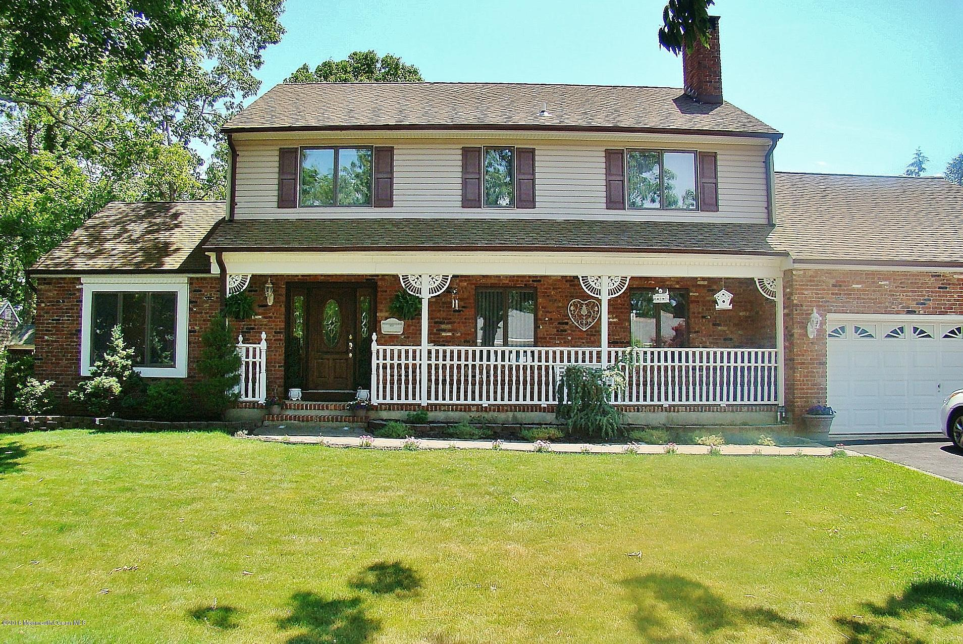Photo of home for sale at 553 Nicholas Road Road, Brick NJ