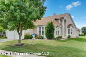 17 Turtle Creek Run, Barnegat, NJ 08005