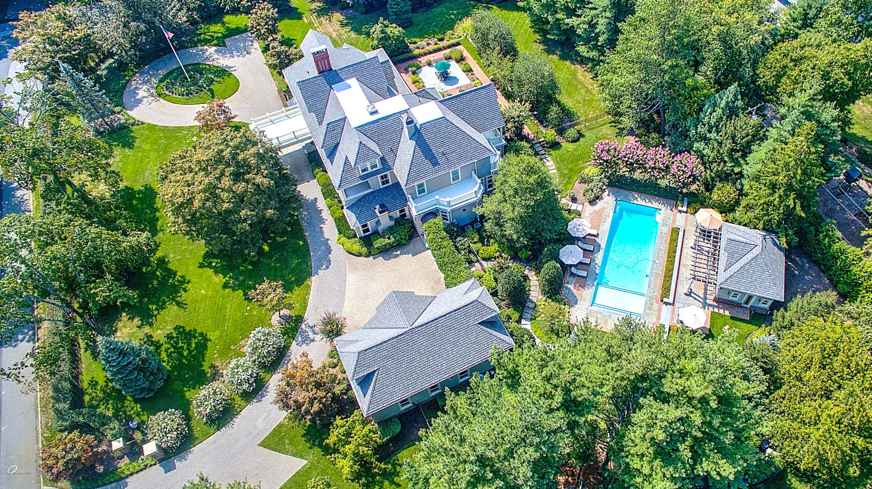 5 A BUTTONWOOD LANE, RUMSON, NJ 07760
