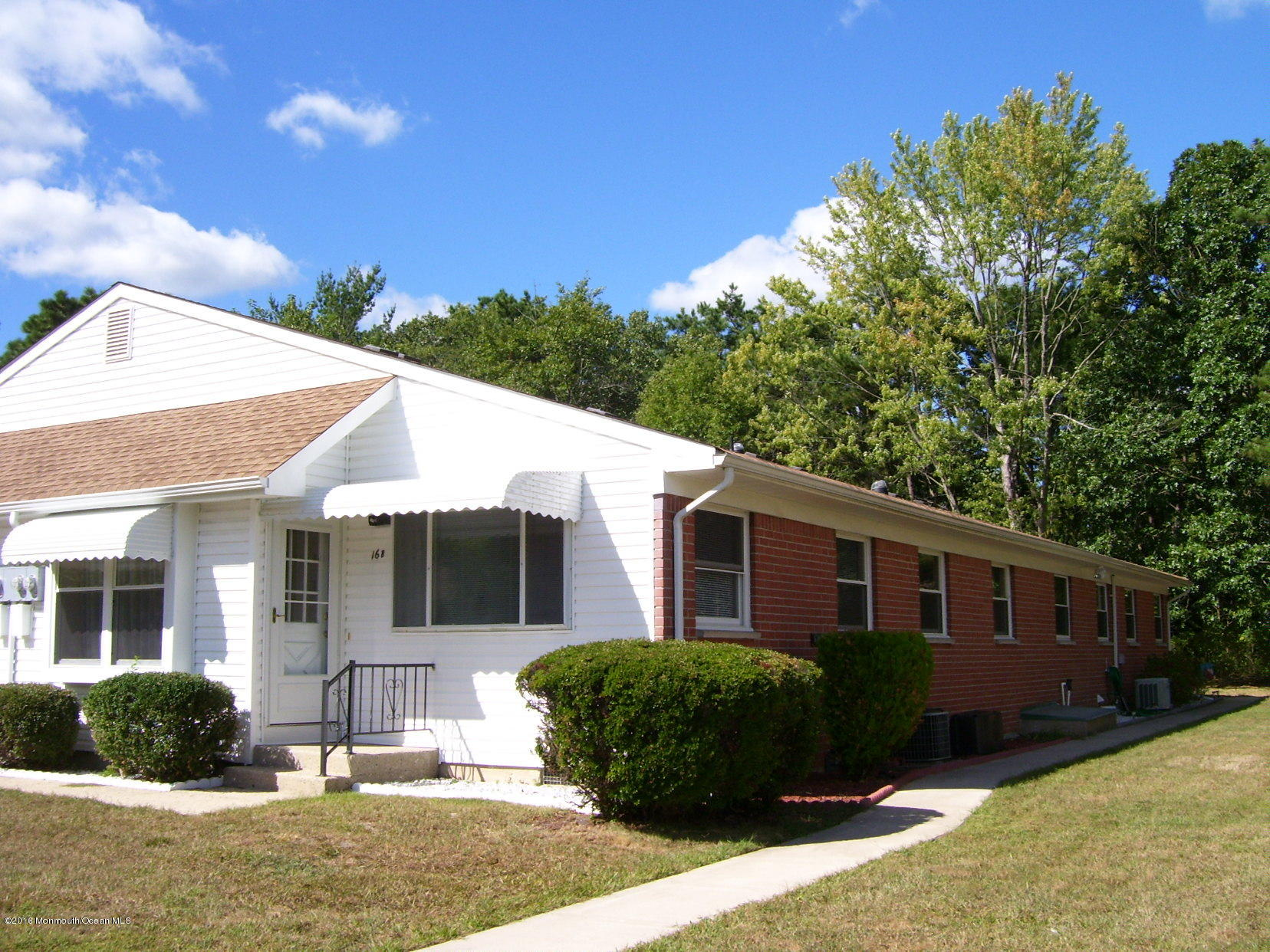 Photo of home for sale at 16 Columbus Boulevard Boulevard, Whiting NJ