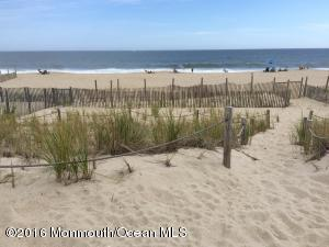 1 Maryland Avenue, Point Pleasant Beach, NJ 08742