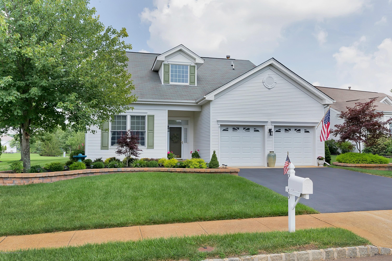 Photo of home for sale at 2569 Heathrow Lane Lane, Manasquan NJ