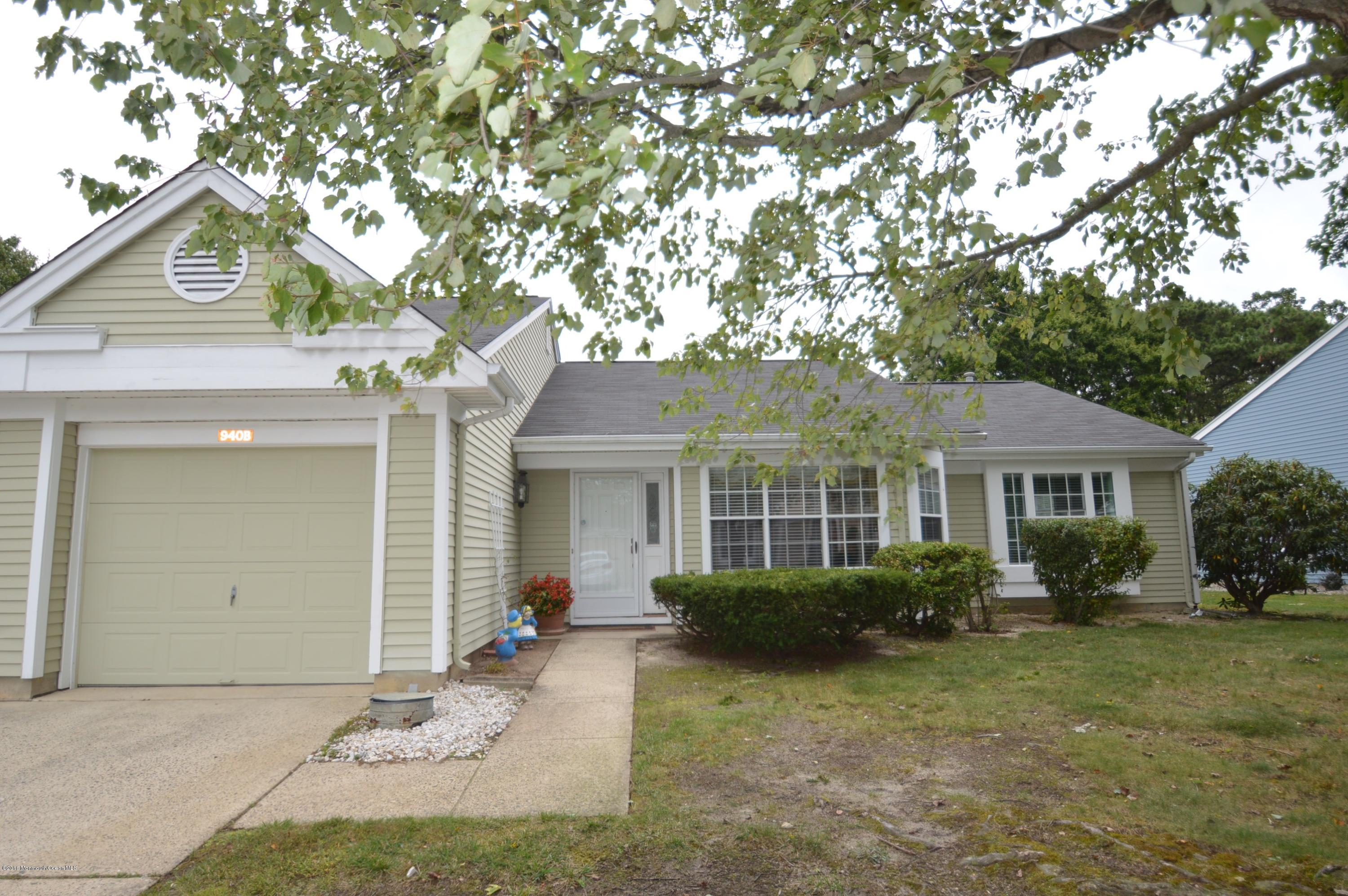 Photo of home for sale at 940 B Liverpool Circle Circle, Manchester NJ