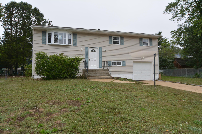 Photo of home for sale at 44 Goldweber Avenue Avenue, Jackson NJ