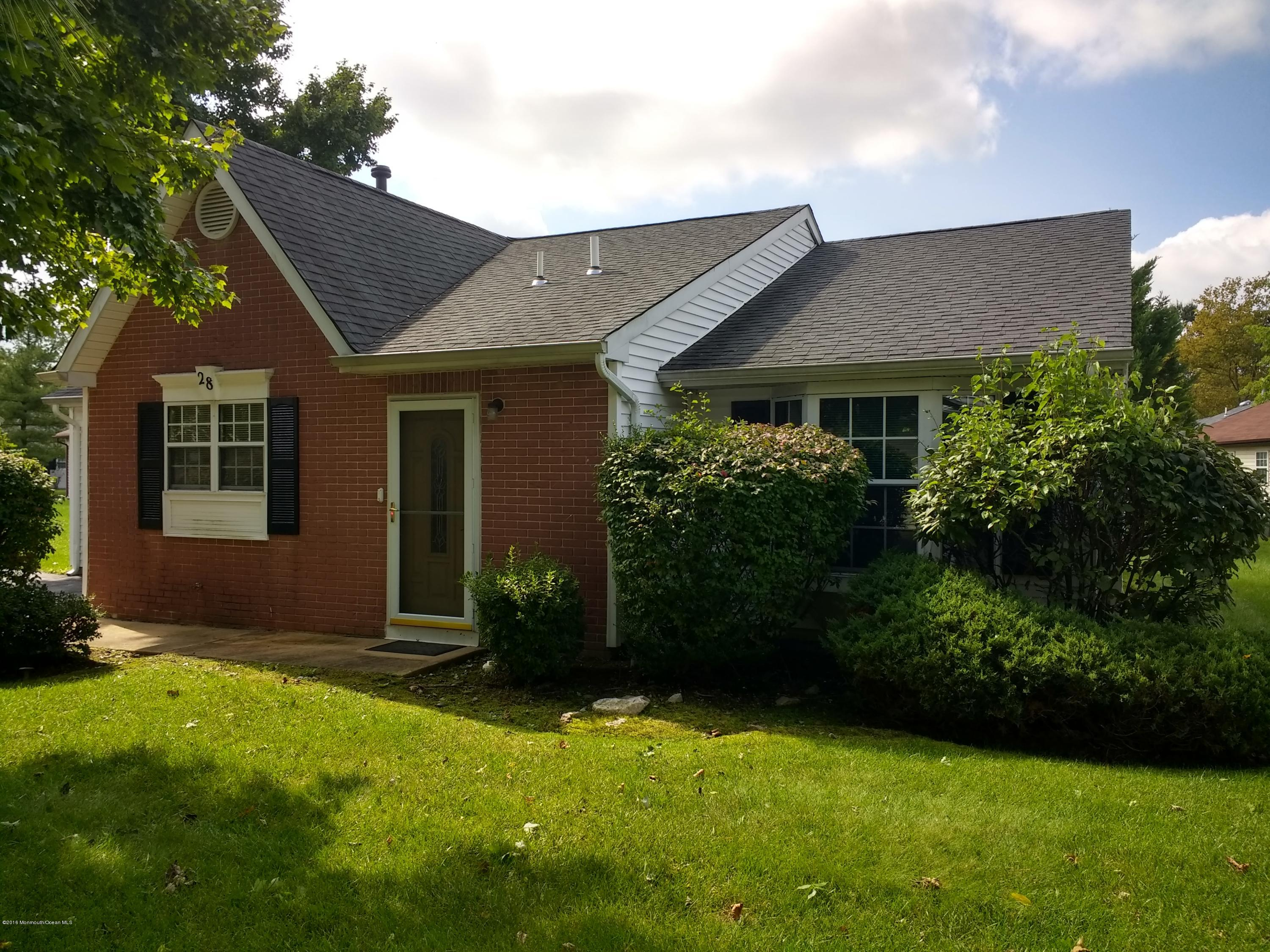 Photo of home for sale at 28 Jaffreyton Close Close Close, Freehold NJ