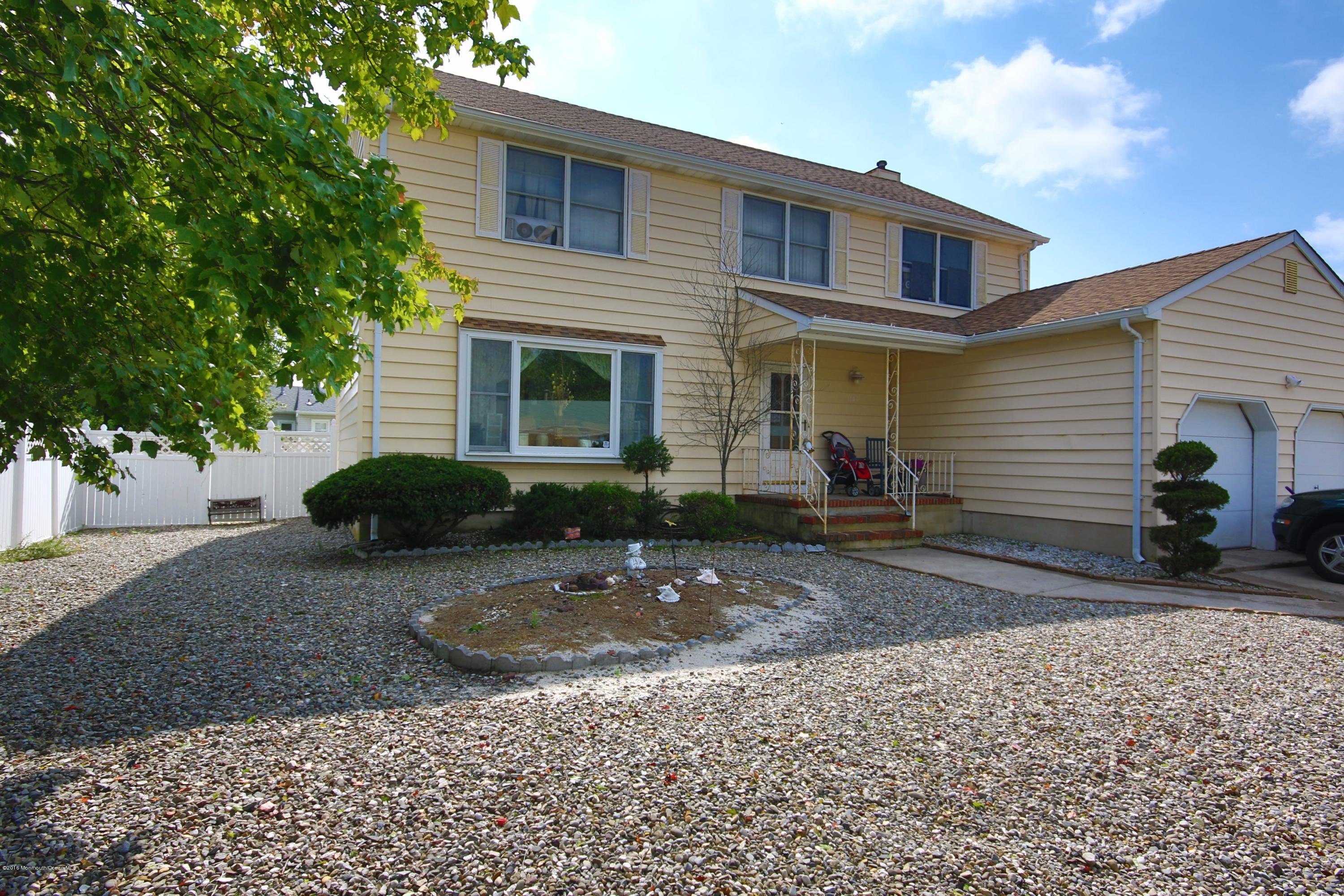 Photo of home for sale at 3147 Sterling Street Street, Toms River NJ