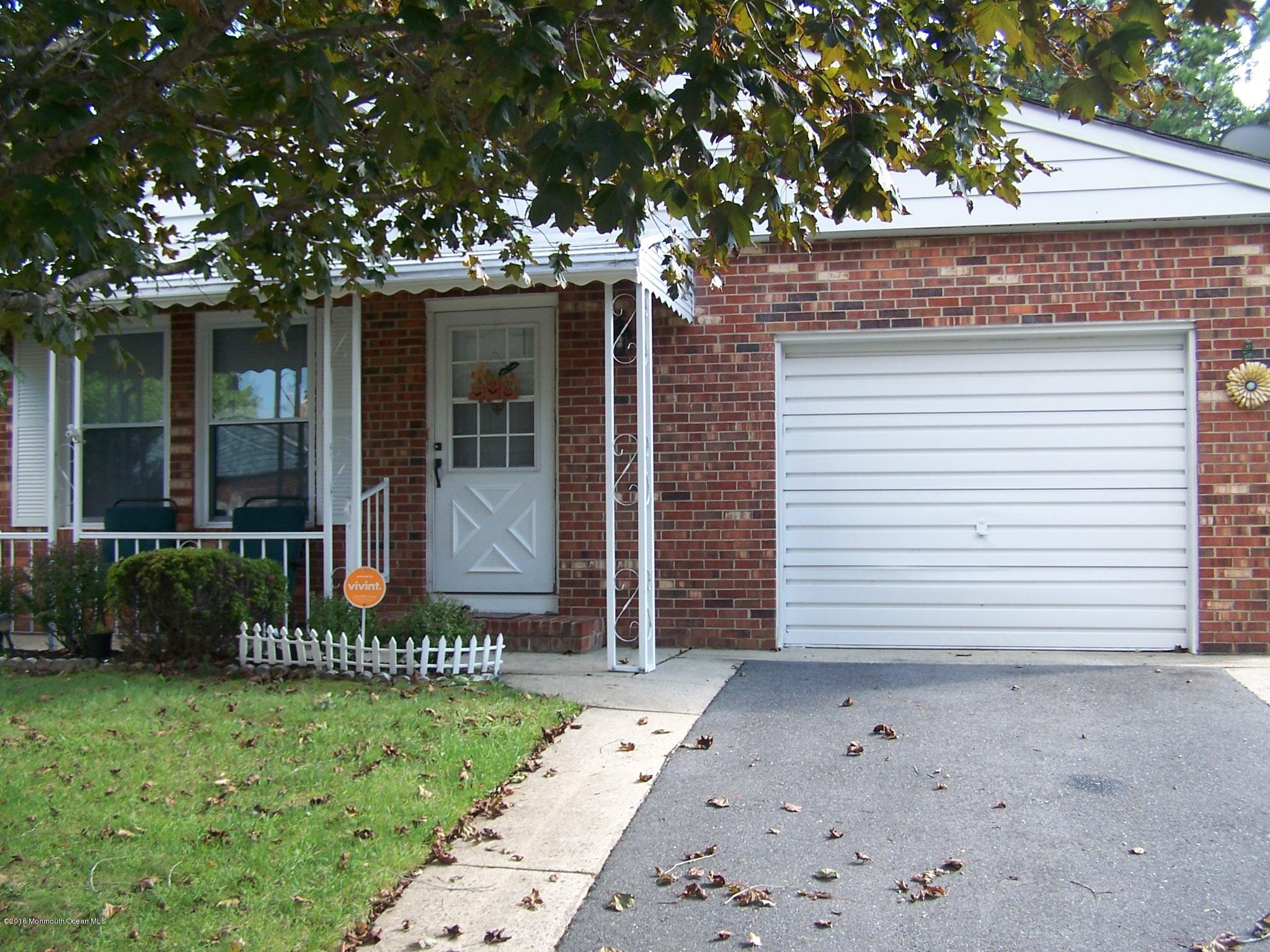 Photo of home for sale at 57 Orlando Boulevard Boulevard, Toms River NJ
