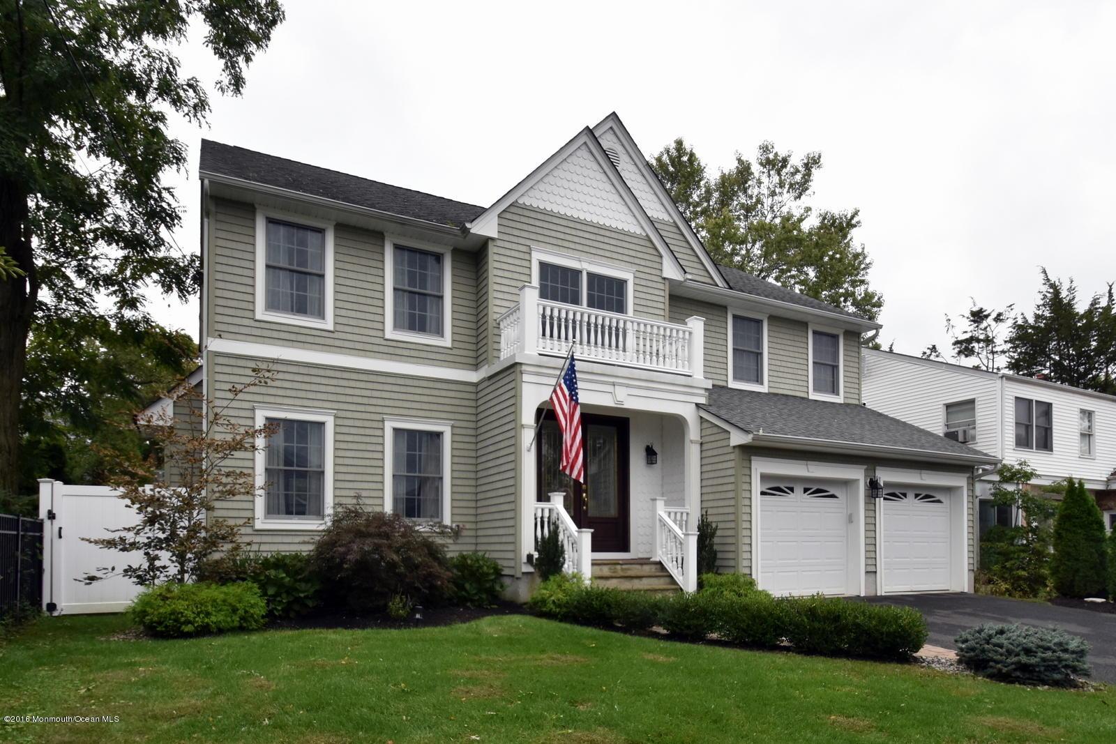 Photo of home for sale at 571 Parker Avenue Avenue, Brick NJ