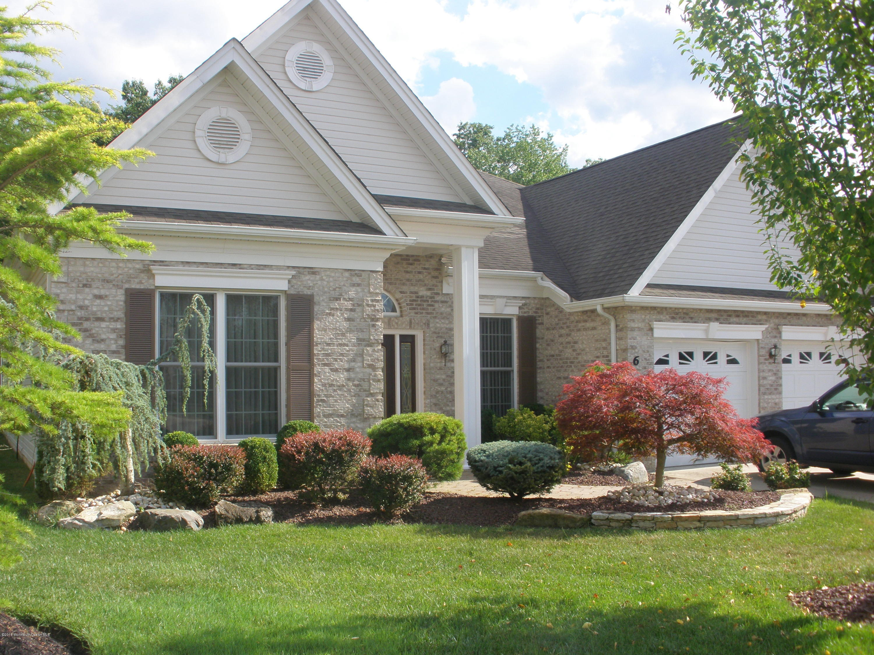 Photo of home for sale at 6 Lattimore Court Court, Freehold NJ