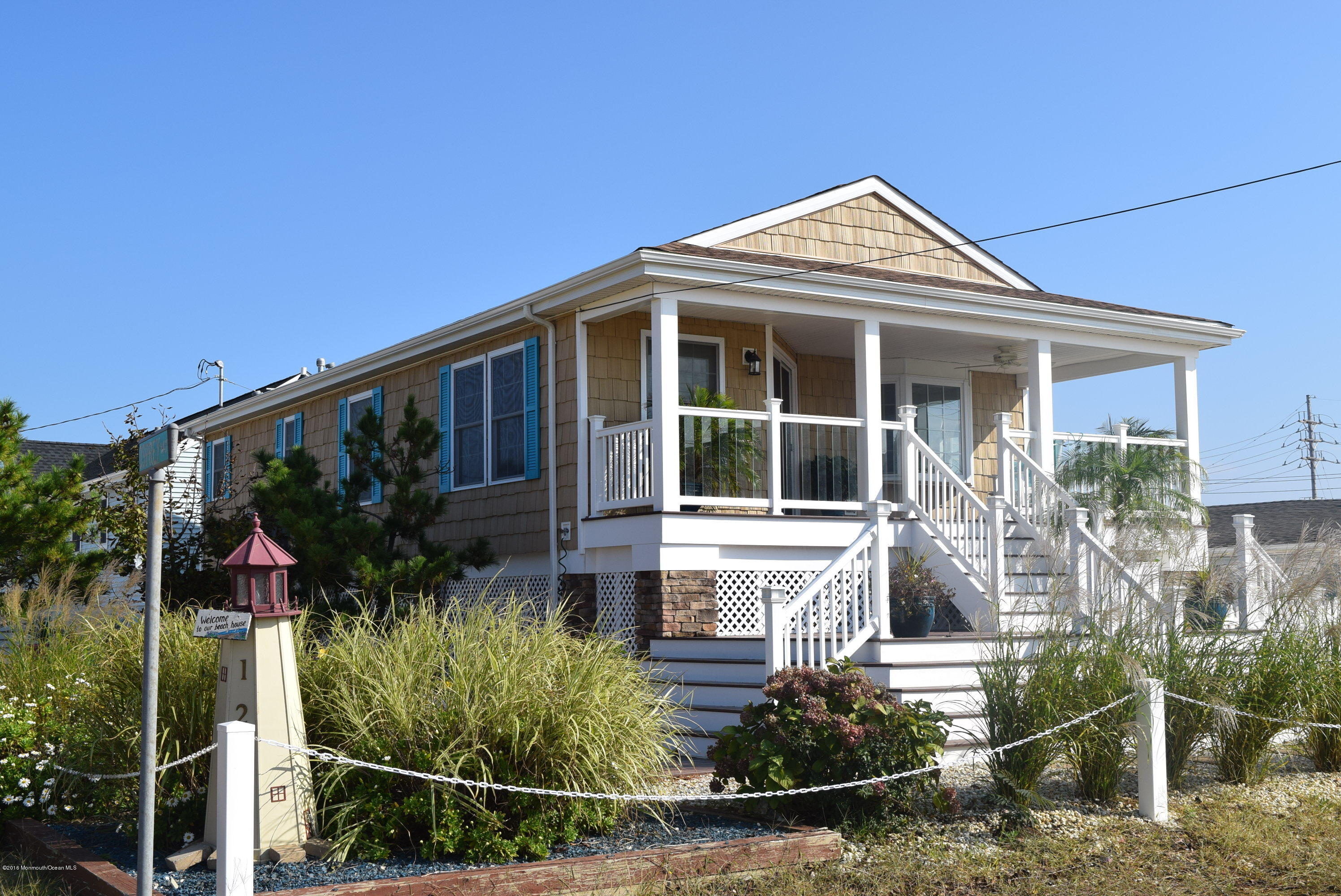 Photo of home for sale at 129 Osprey Way Way W, Lavallette NJ