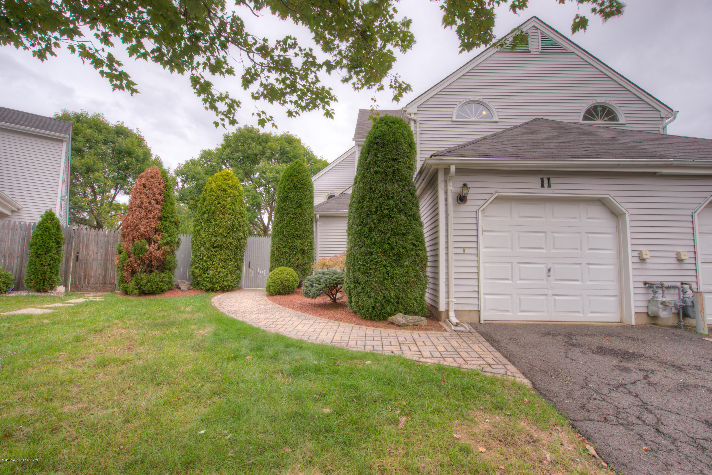 Photo of home for sale at 11 Frost Court Court, Freehold NJ