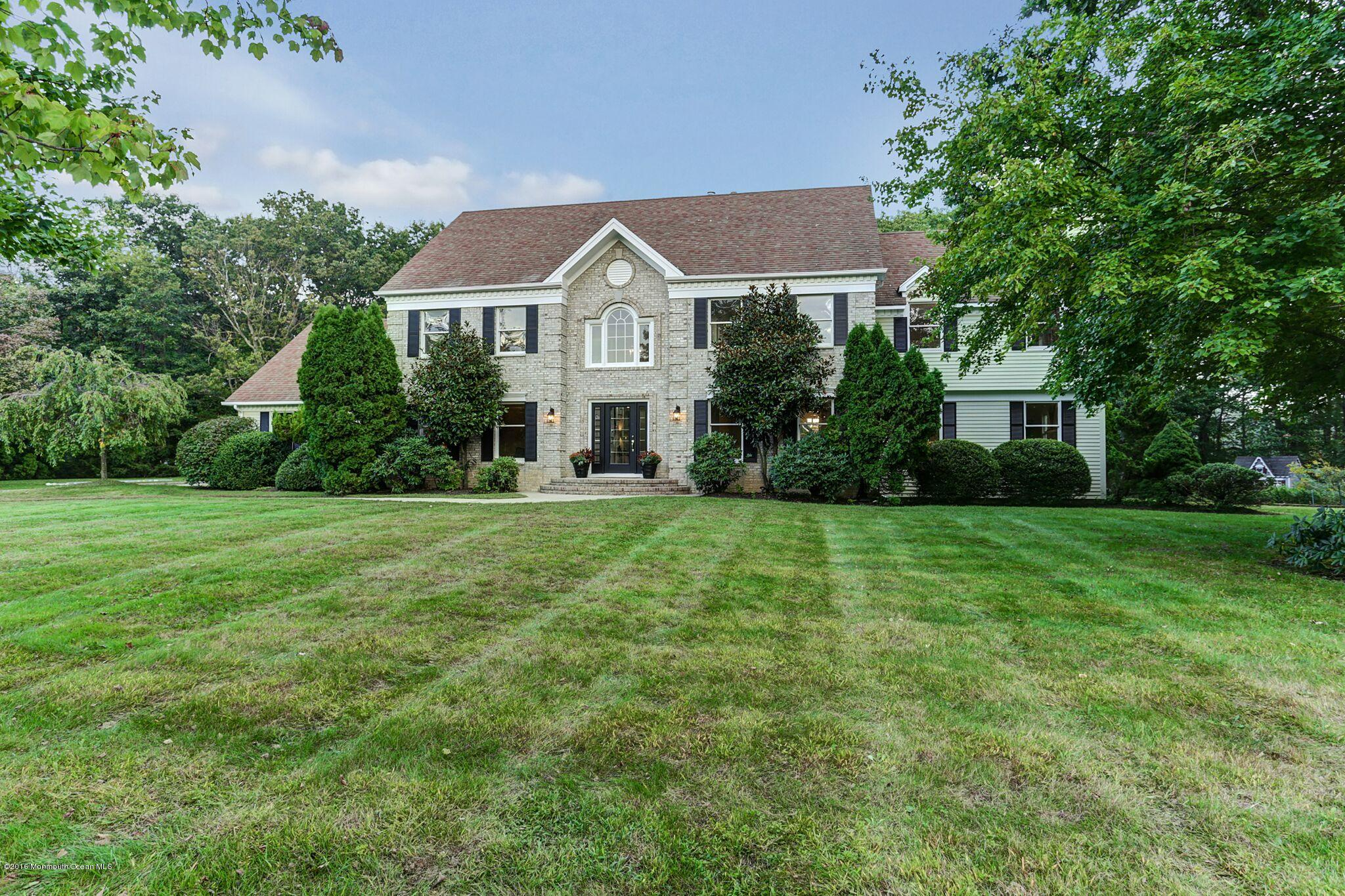 Photo of home for sale at 1802 Carriage Hill Drive Drive, Wall NJ