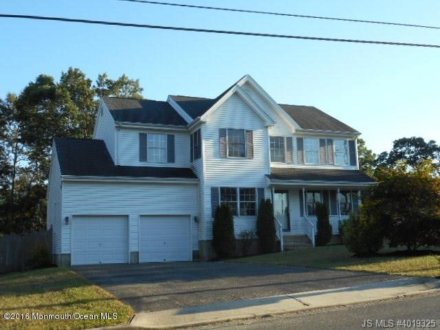 Photo of home for sale at 1033 Vessel Lane Lane, Manahawkin NJ