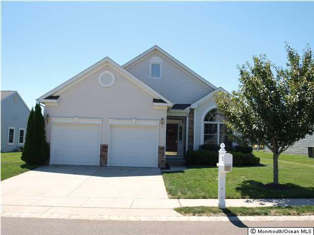 Photo of home for sale at 52 Pancoast Road Road, Waretown NJ
