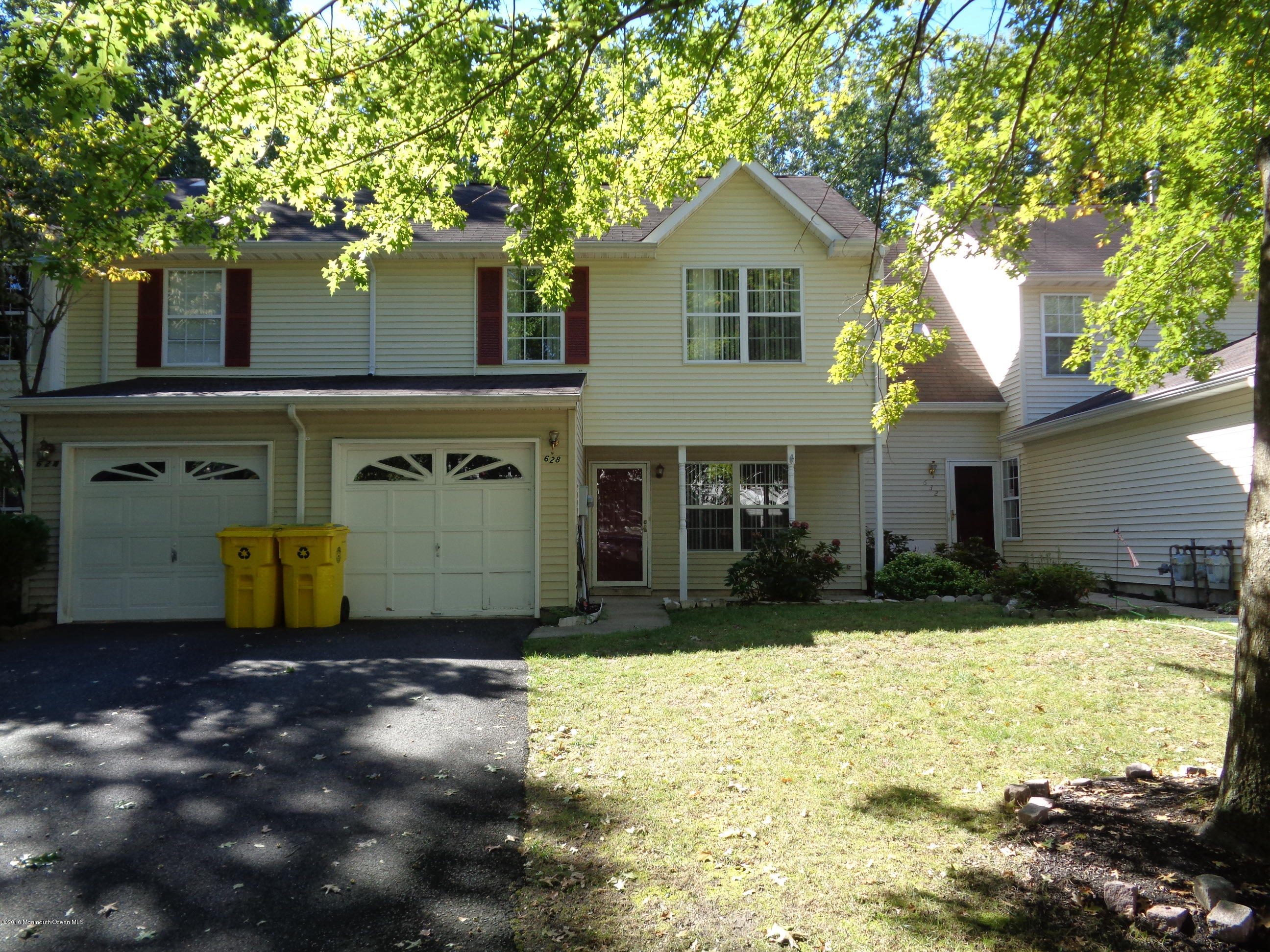 Photo of home for sale at 628 Patriots Way Way, Lakewood NJ
