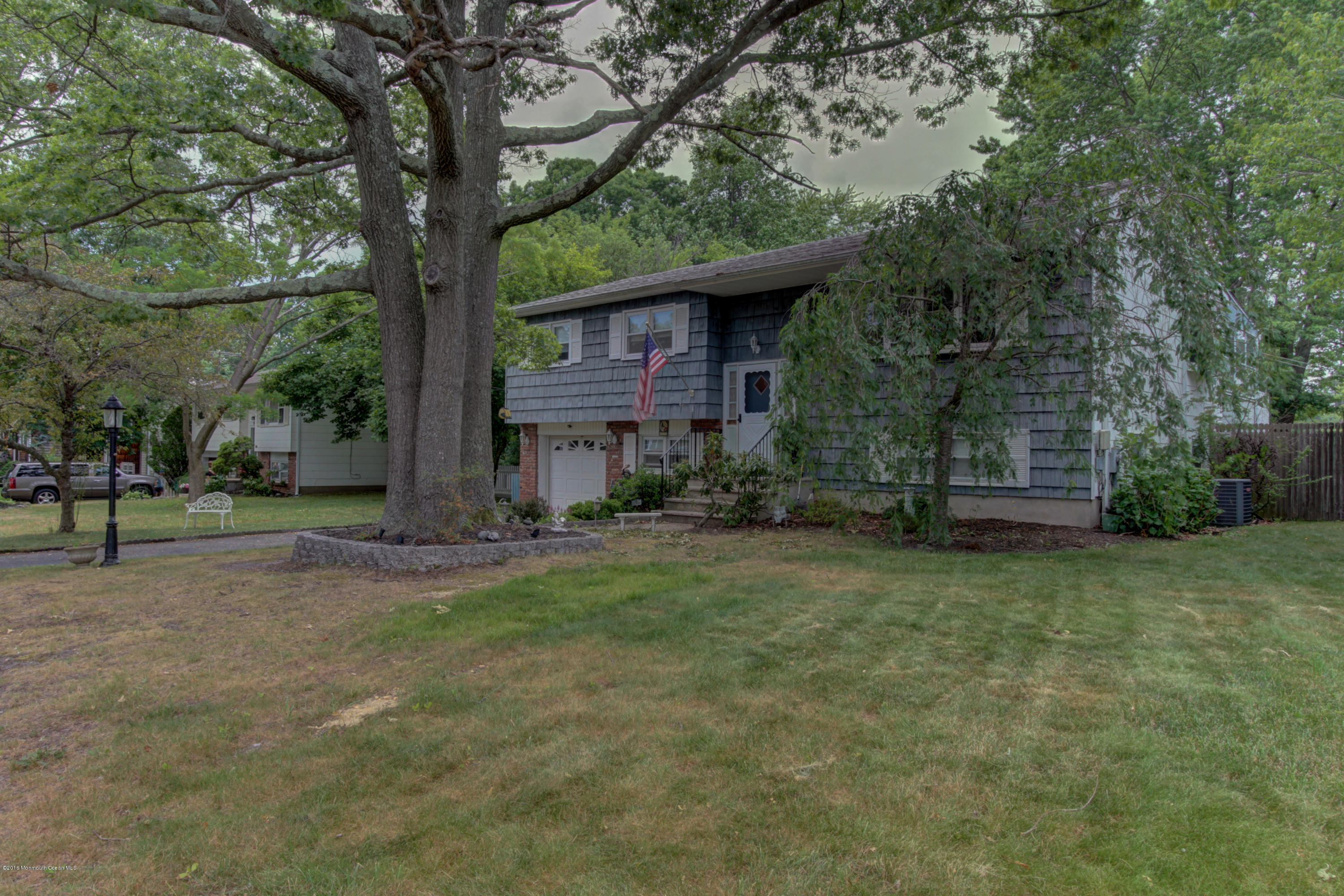 Photo of home for sale at 556 Duchess Court Court, Toms River NJ