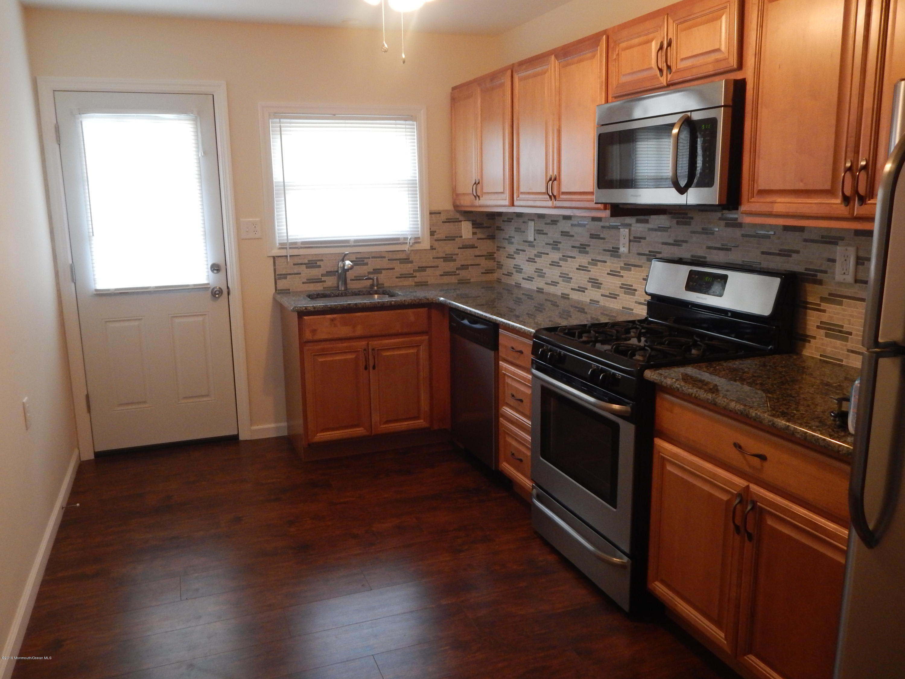 Photo of home for sale at 733 Jamaica Boulevard Boulevard, Toms River NJ