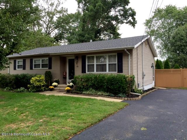 Photo of home for sale at 23 Rhode Island Drive Drive, Jackson NJ