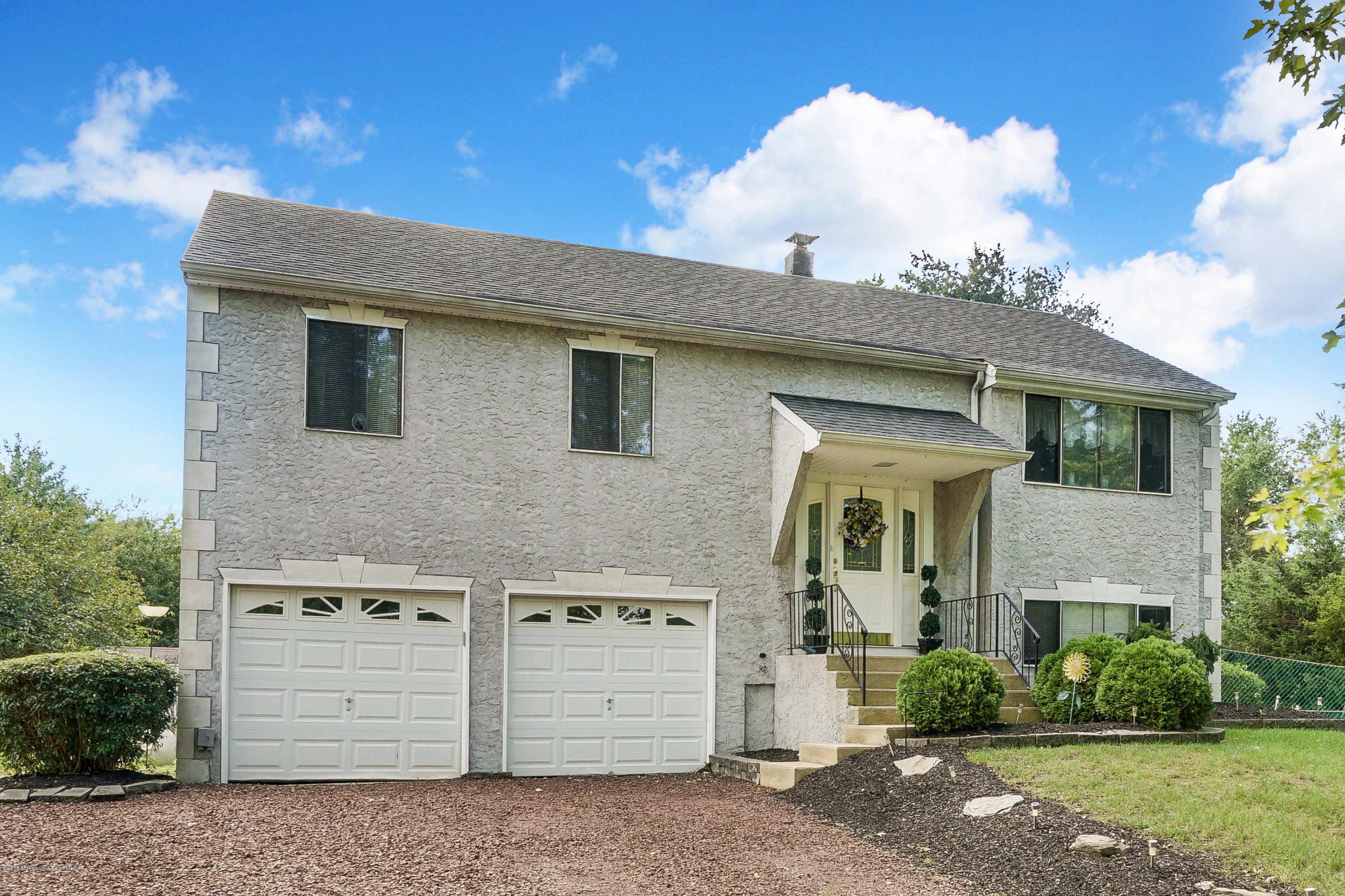 Photo of home for sale at 85 Andover Road Road, Jackson NJ