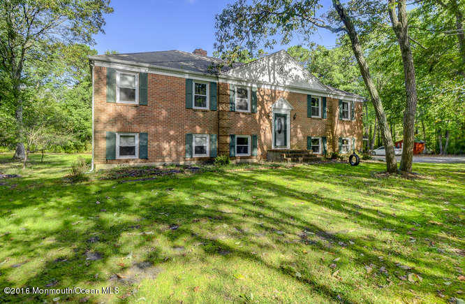 Photo of home for sale at 446 Monmouth Road Road, Clarksburg NJ