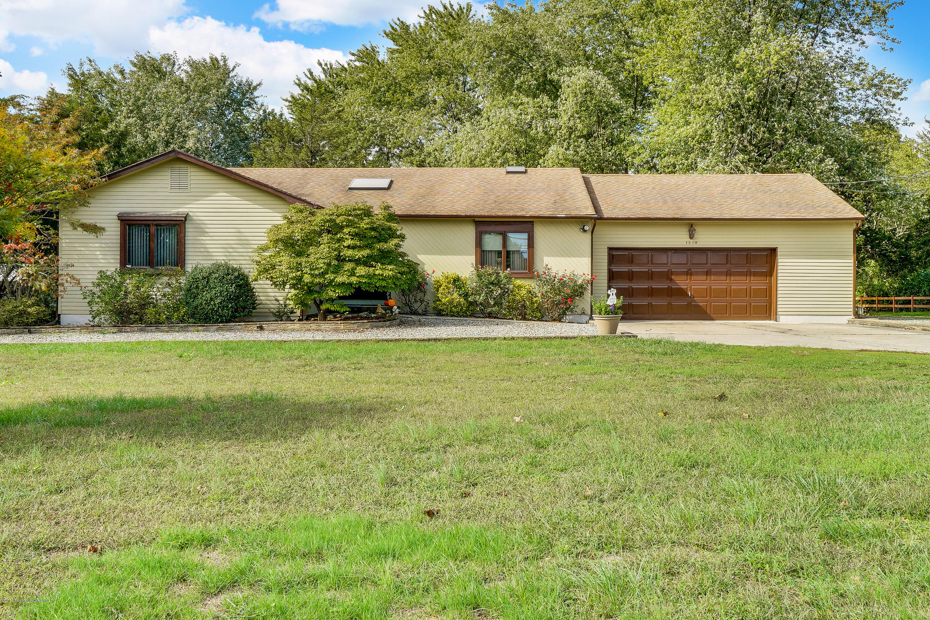 Photo of home for sale at 1810 New Hampshire Avenue Avenue, Toms River NJ