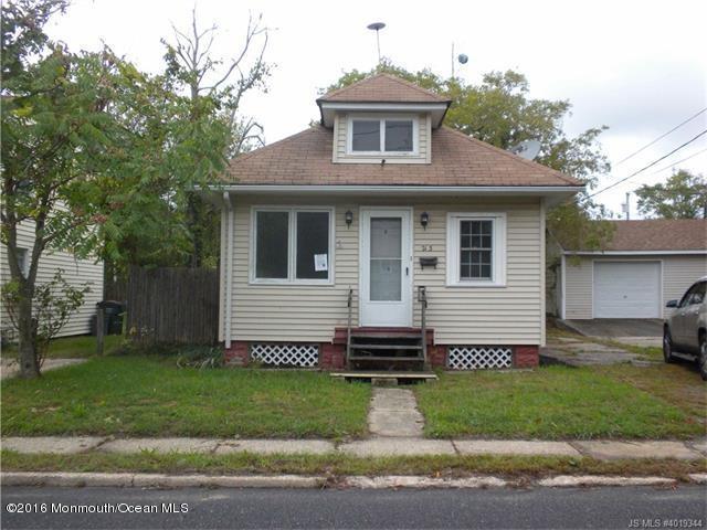 Photo of home for sale at 213 Center Street Street, Tuckerton NJ
