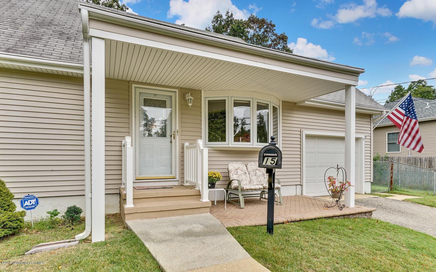 Photo of home for sale at 15 Illinois Avenue Avenue, Jackson NJ