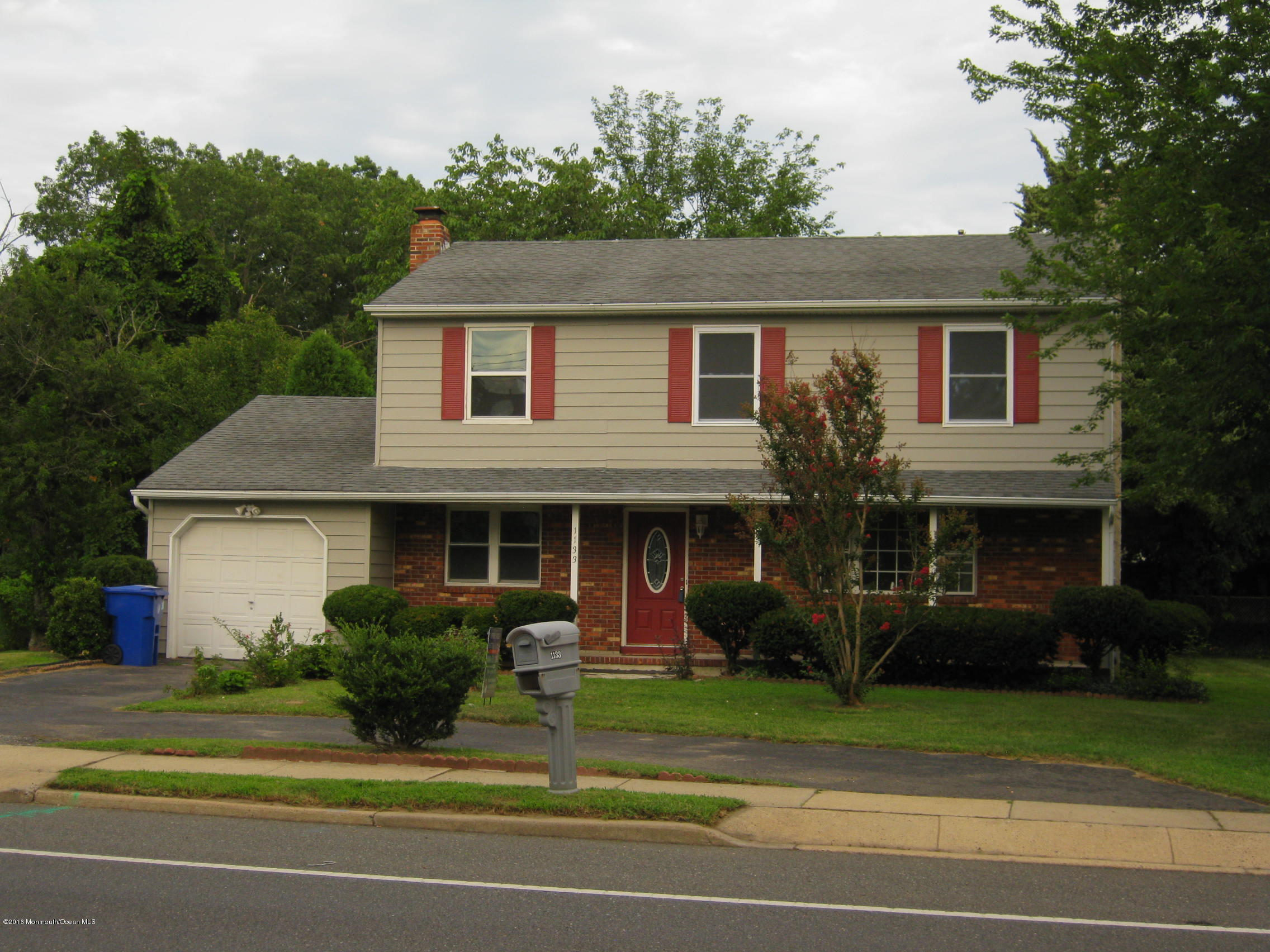 Photo of home for sale at 1133 Old Freehold Road Road, Toms River NJ