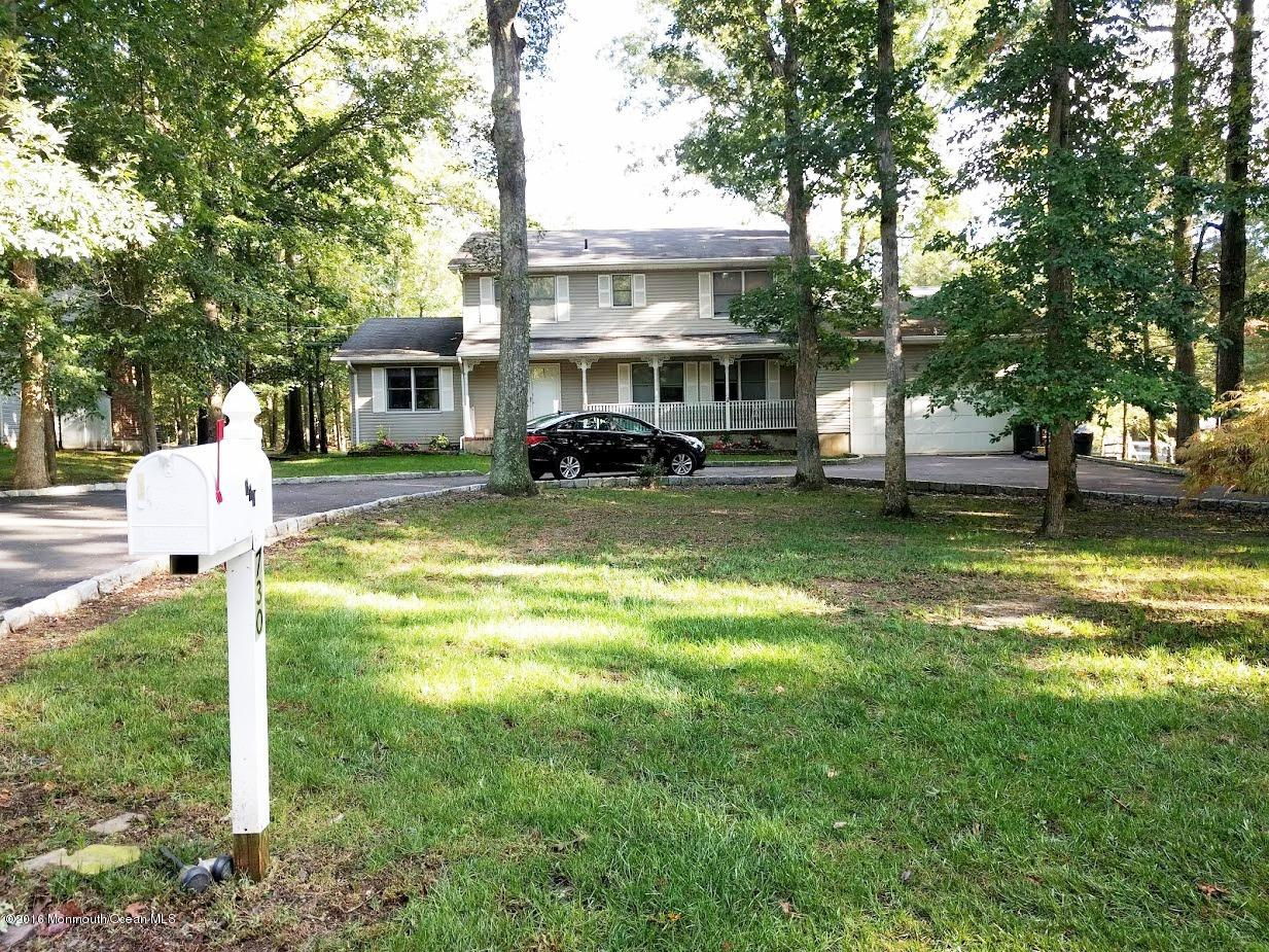 Photo of home for sale at 730 Green Valley Road Road, Jackson NJ