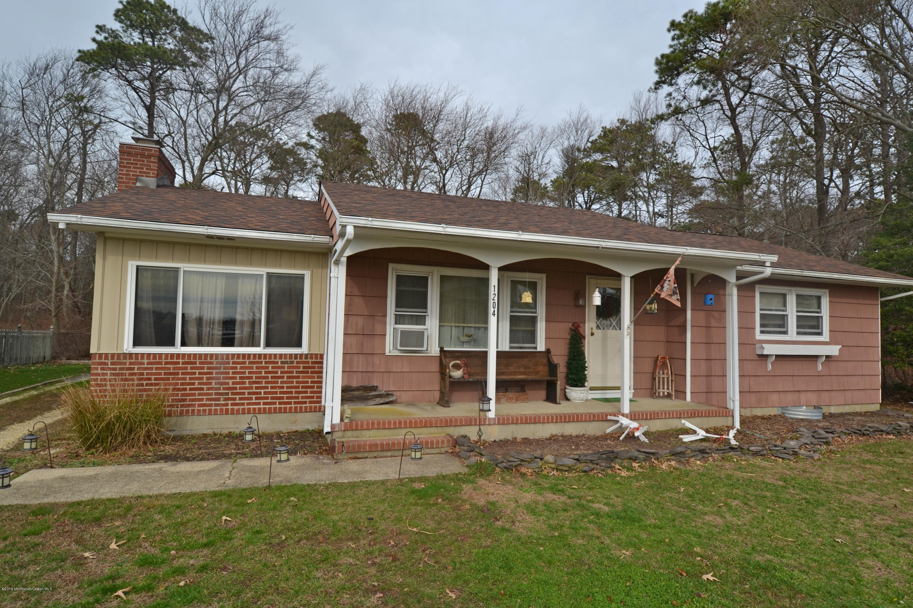 Photo of home for sale at 1204 Pensacola Road Road, Forked River NJ