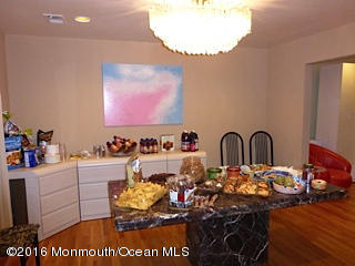 Photo of home for sale at 308 Lincoln Avenue Avenue S, Oakhurst NJ