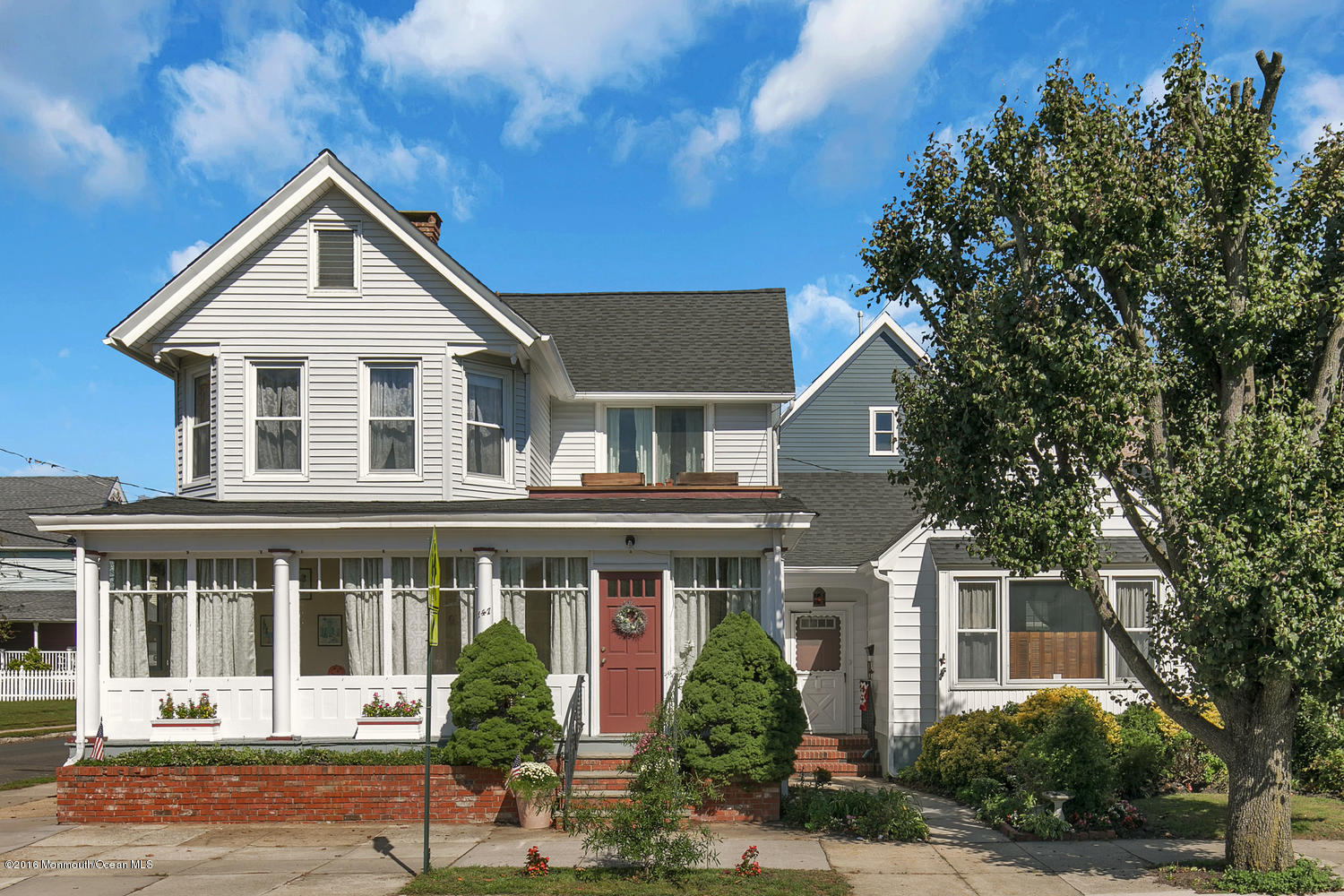 Photo of home for sale at 147 Broadway, Ocean Grove NJ