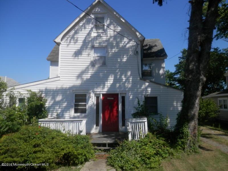 Photo of home for sale at 374 Main Street Street N, Barnegat NJ