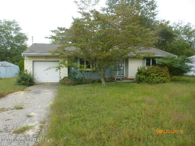 Photo of home for sale at 308 Nautilus Boulevard Boulevard, Forked River NJ