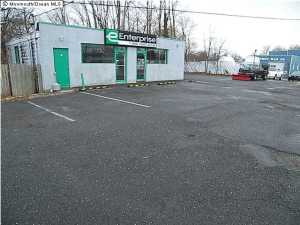 556 State Route 36, Belford, NJ 07718