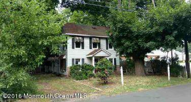 Photo of home for sale at 7 Wyckoff Mills Road Road, Adelphia NJ