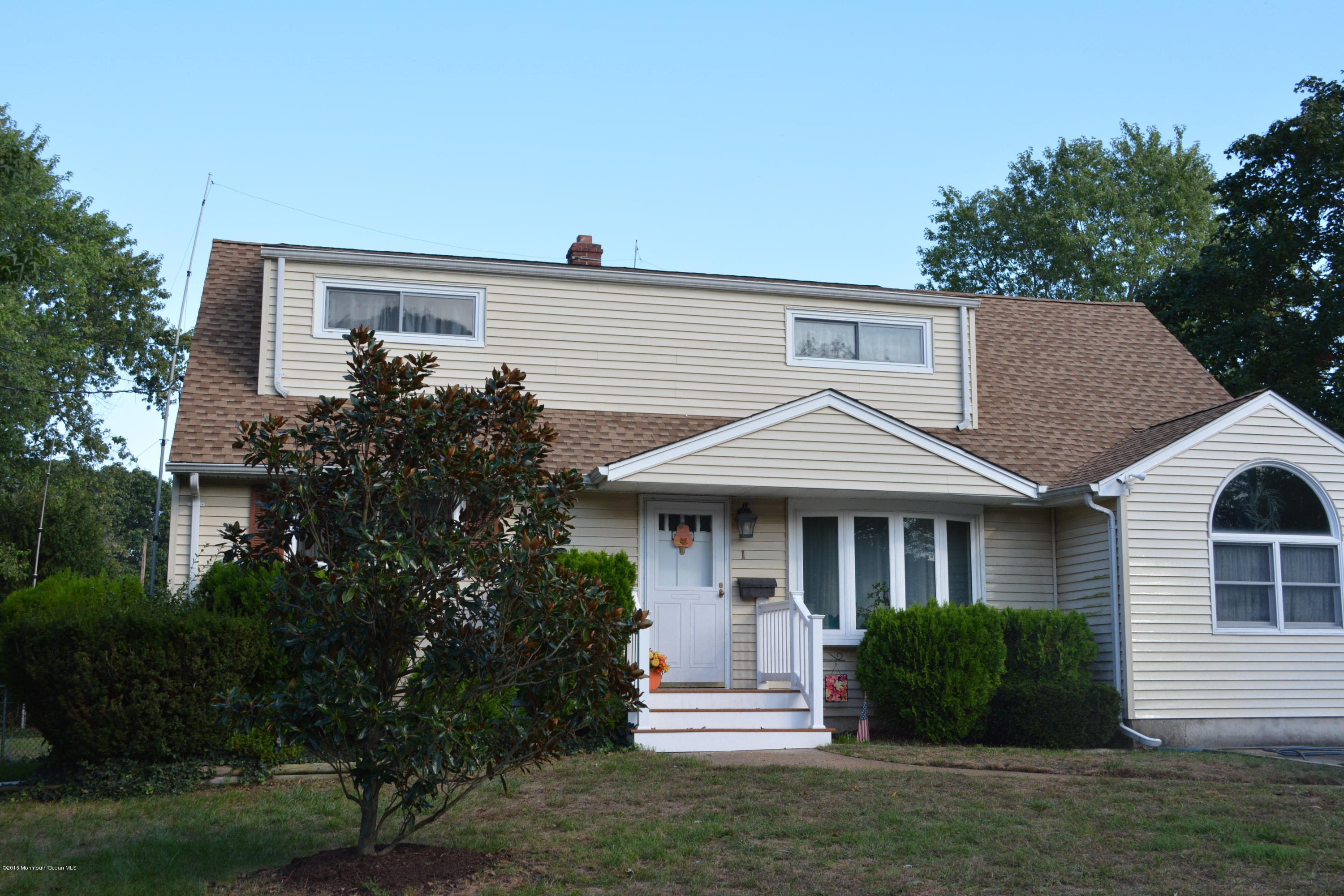 Photo of home for sale at 1 Lloyd Place Place, Oakhurst NJ