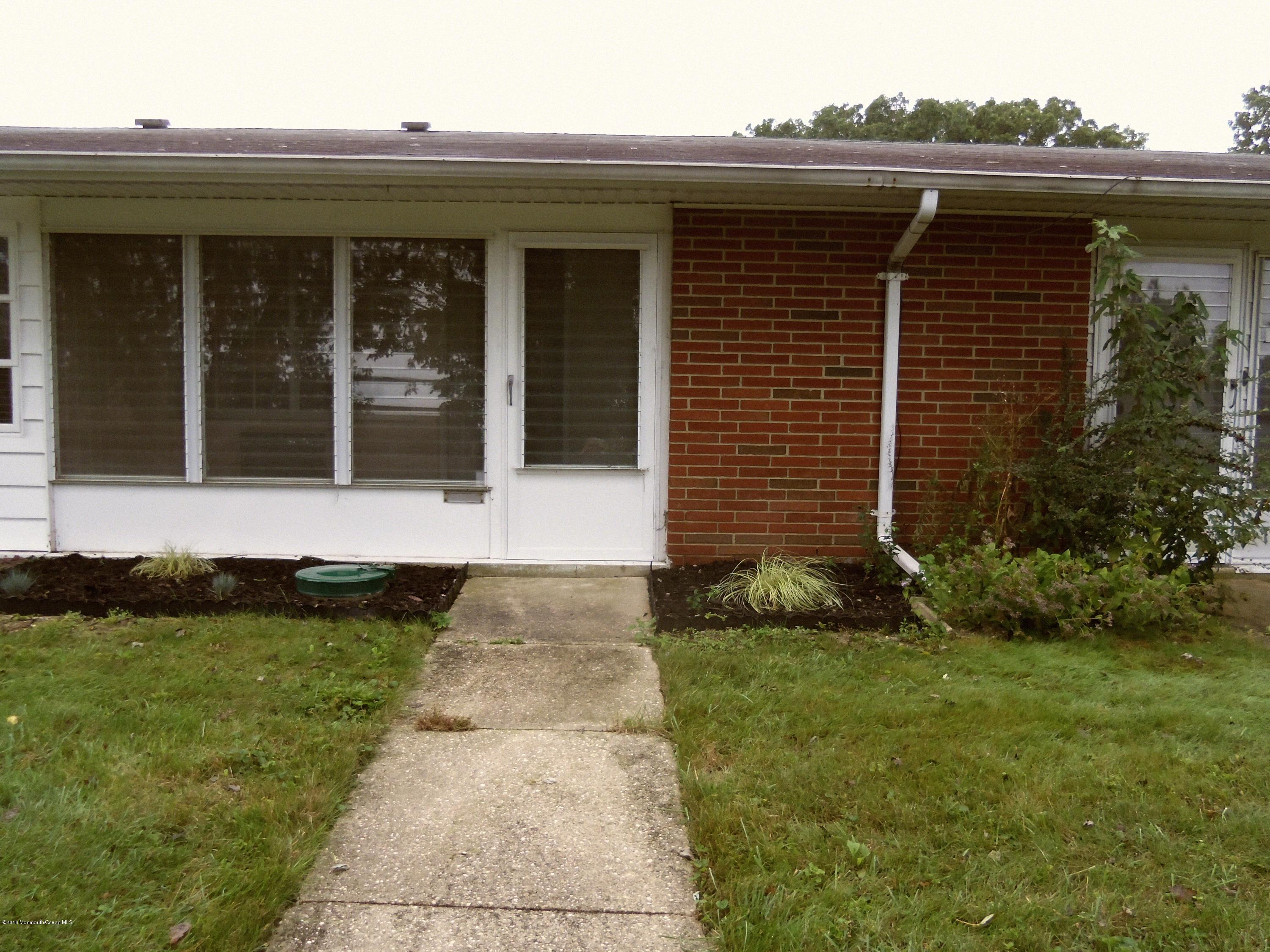 Photo of home for sale at 393b Chesterfield Court Court, Lakewood NJ