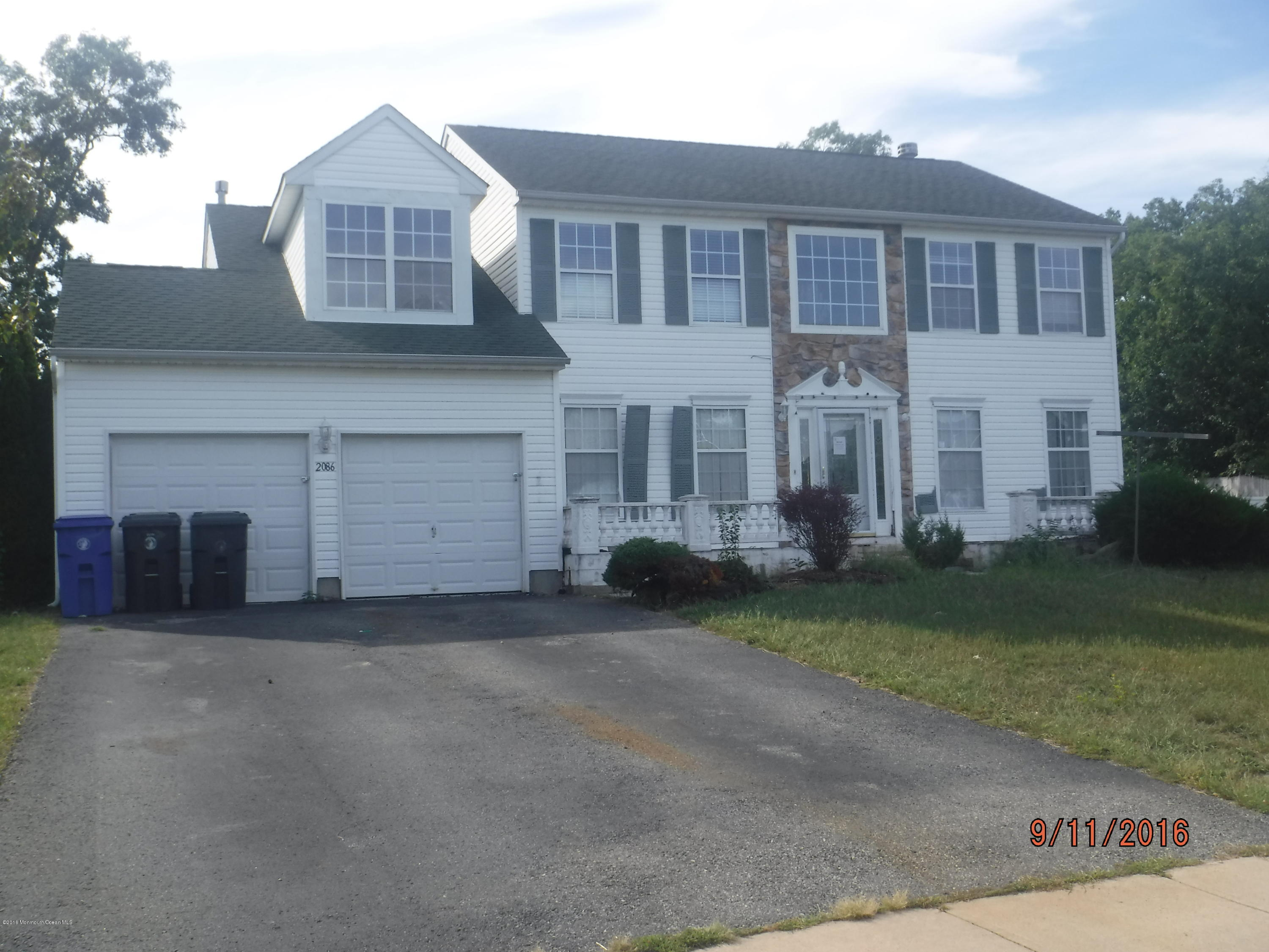 Photo of home for sale at 2086 Mackenzie Road Road, Toms River NJ