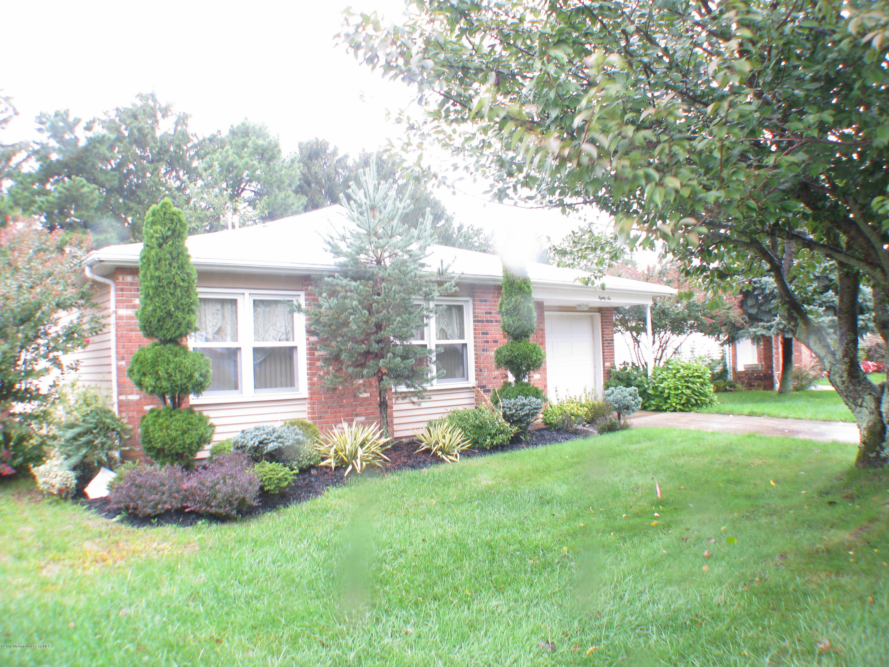 Photo of home for sale at 86 Lions Head Boulevard Boulevard, Brick NJ