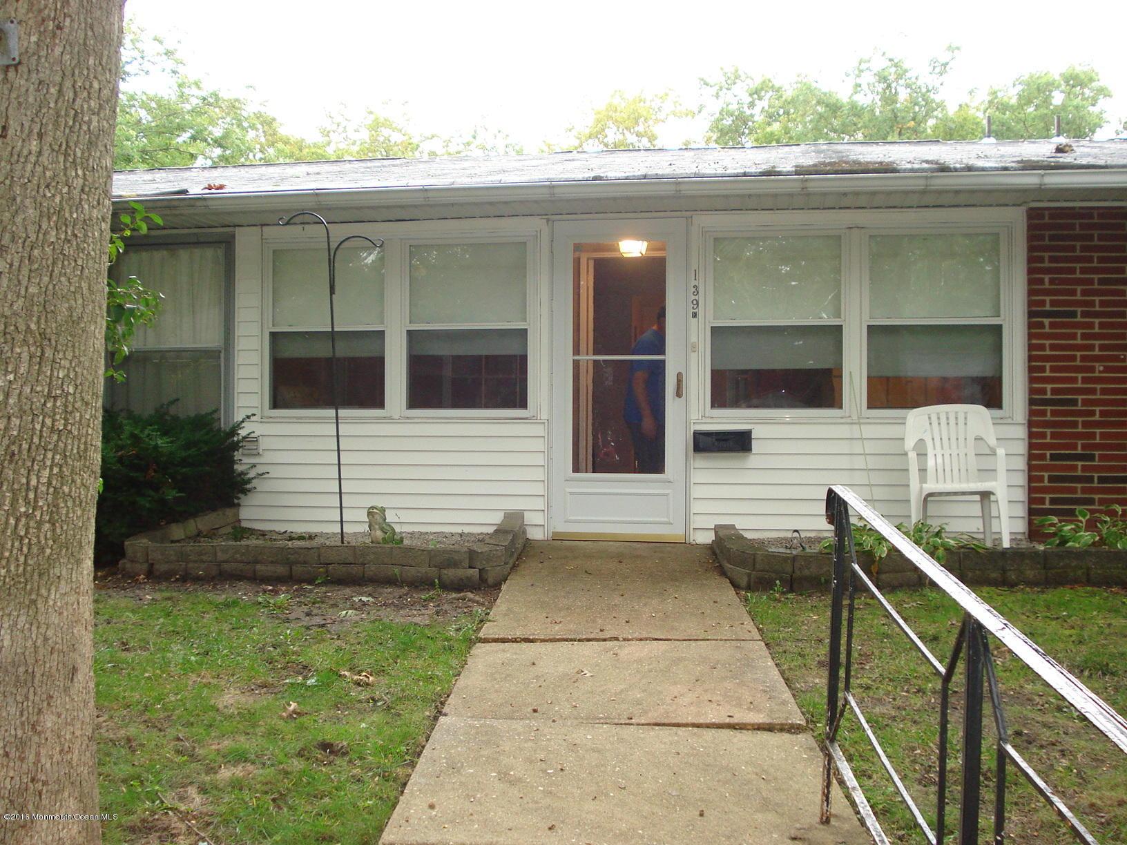 Photo of home for sale at 139e Farrington Court Court, Lakewood NJ
