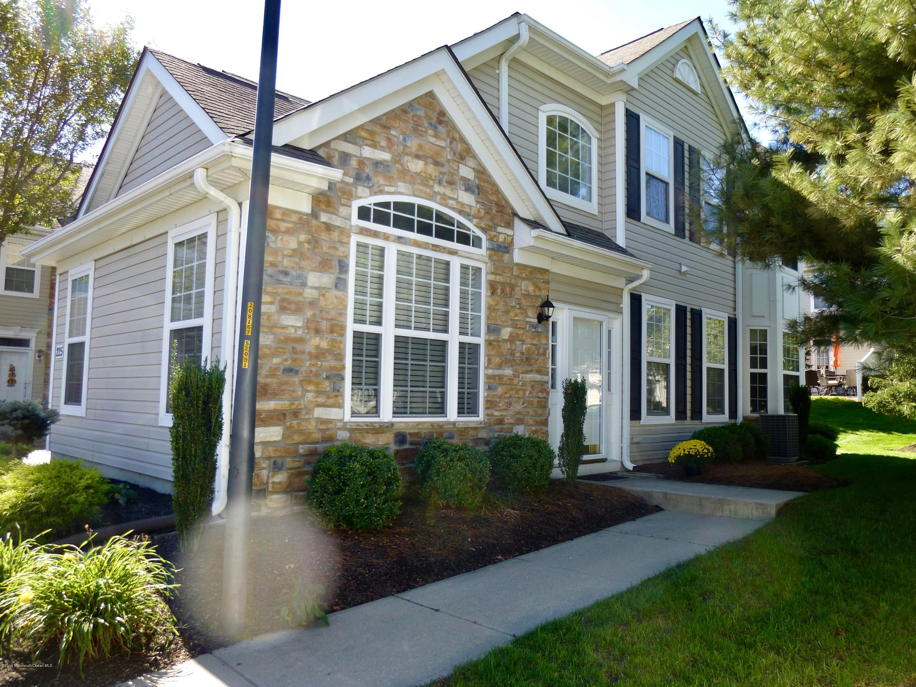Photo of home for sale at 225 Shinnecock Drive Drive, Manalapan NJ