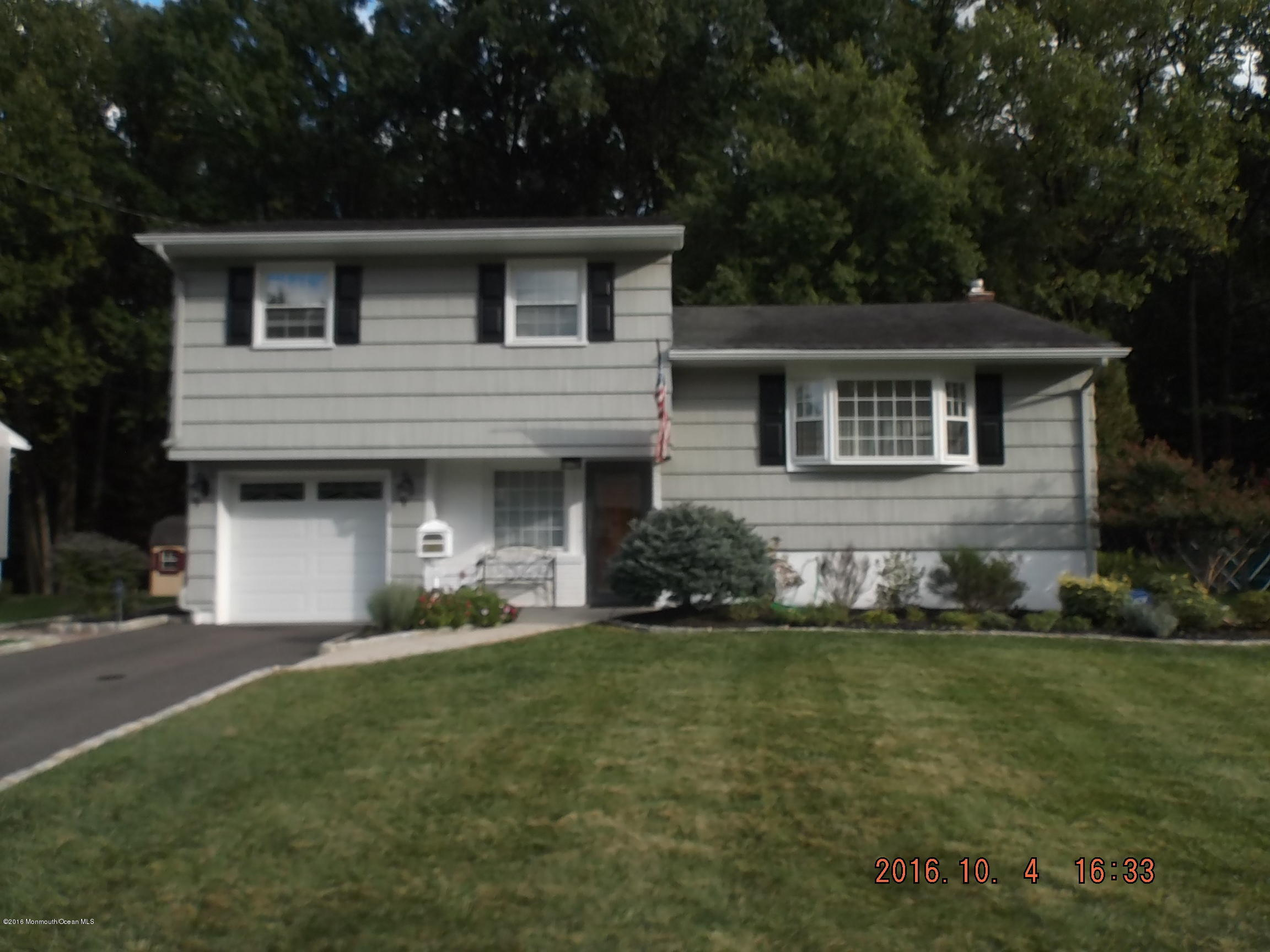 Photo of home for sale at 1418 Coolidge Street Street, Plainfield NJ